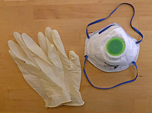 Personal protective equipment for dyeing